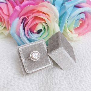 BNIB Square velvet ring box in gray, ring bearer